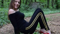 NiNA with leggings & stripes in forest